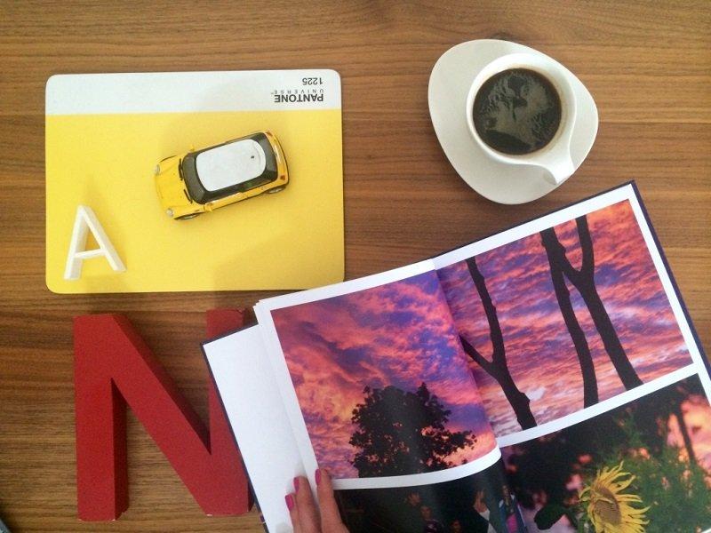 Jak zaprojektować fotoksiążkę? Program online i do pobrania na komputer
